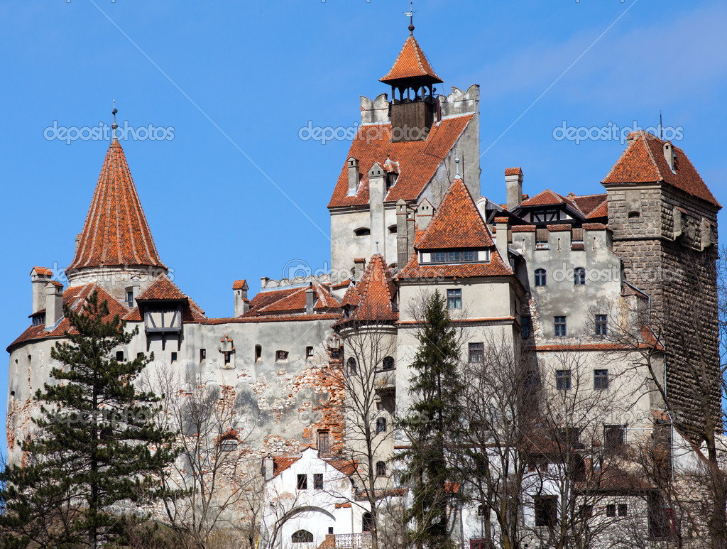 Bran Castle near Brasov in Romania — Stock Photo #10049324