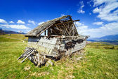 Abandoned barn in ruins — Stock Photo