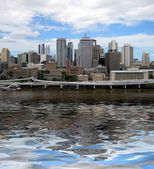 Brisbane, queensland, australia with reflections in the brisbane river — Zdjęcie stockowe