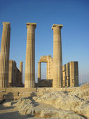 Ruins of ancient acropolis temple — Stock Photo