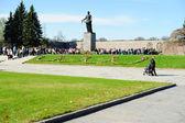 Victory day on Piskaryovskoye Memorial Cemetery — Stock Photo