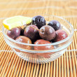 Fresh olives in a bowl - Foto Stock