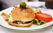 Gourmet Burger with Lettuce and Tomato — Stock Photo