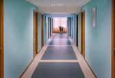 The corridor with blue walls — Stockfoto