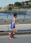 Man runs in 25th Belgrade Marathon on April 22, 2012 in Belgrade, Serbia — Stock Photo