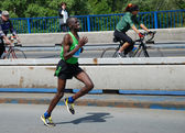 BELGRADE, SERBIA - APRIL 22: James Kiptum Barmasai runs on April 22, 2012 in Belgrade marathon — Stock Photo