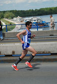 Man runs in 25th Belgrade Marathon on April 22, 2012 in Belgrade, Serbia — ストック写真