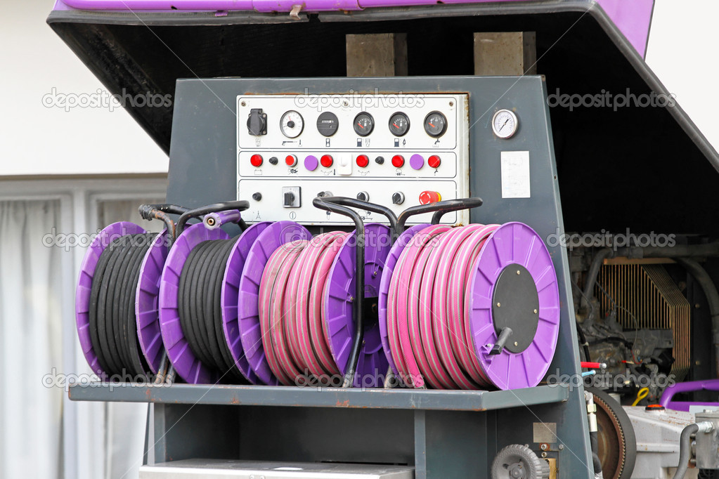 High pressure hose and power compressor — Stock Photo #9096465