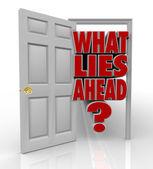Que porta aberta à frente de mentiras palavras oportunidade futura — Foto Stock