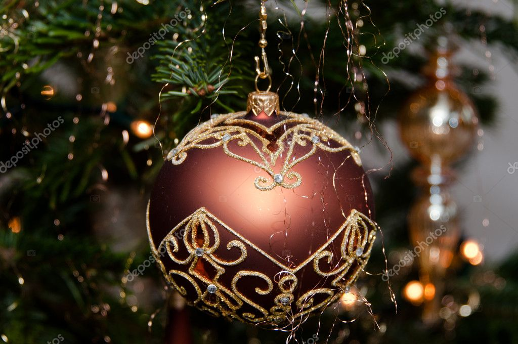 Decorative christmas ball hanging on pine - tree branch  Stok fotoraf #8275010