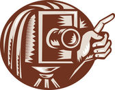 Vintage Camera Hand Pointing Retro Woodcut — Stock Vector