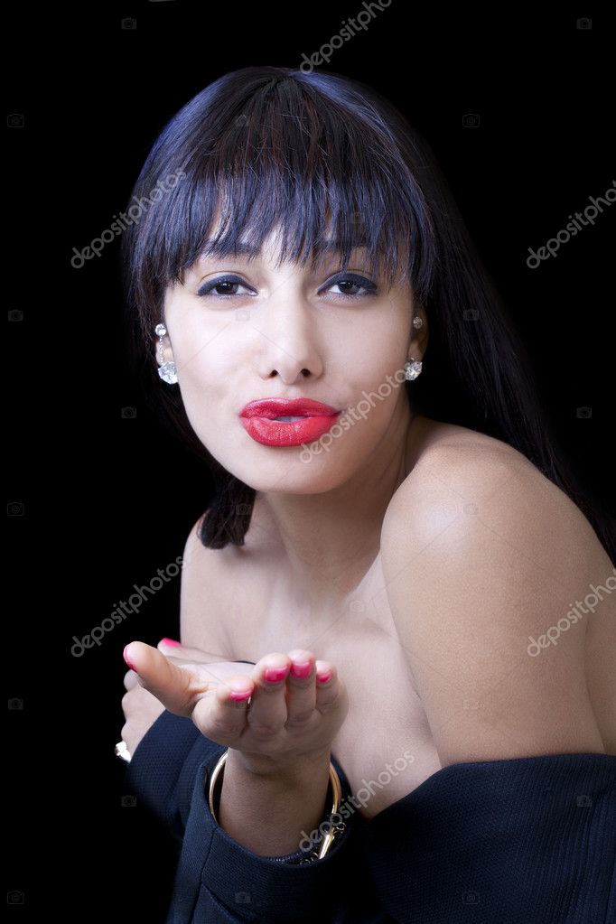 Young African American Woman Blowing Kiss Bare Shoulders — Stock Photo #10177296
