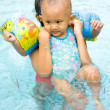Baby learn to swim — Stock Photo