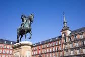 статуя короля филиппа iii на площади plaza mayor — Стоковое фото