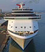 Kreuzfahrtschiff — Stockfoto