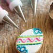 Decorating Easter cookies — Stock Photo