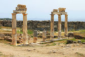Pamukkale. Turkey. Ruins of Hierapolis, ancient city — Stock Photo