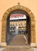 Entrance to Wawel palace — Stock Photo