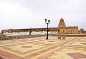 Walls and cemetery of the Great Mosque of Kairouan, Tunisia — Stock Photo