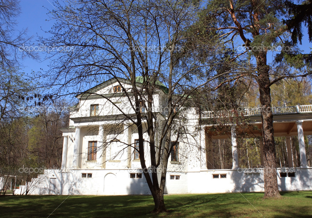 "Ostafyevo manor – it is a kind of ""Russian Parnassus"" built in XIX-XX centuries. Among the estate Ostafyevo owners were , well known in Russian history — Stock Photo #10504742"