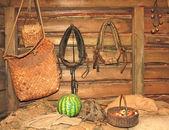 Pots in a peasant's hut — Stockfoto