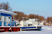 River pier in winter — Stock Photo