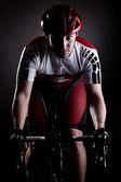 Cycliste sur un vélo — Photo