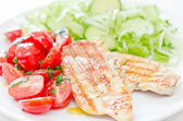 Chicken fillet with fresh salad — Stock Photo