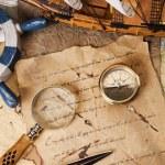 oude navigatieapparatuur, kompas en andere instrumenten — Stockfoto