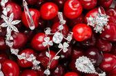Joyas en cerezas — Foto de Stock