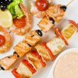Grilled salmon and shrimps — Stockfoto