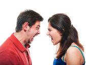 Foto studio de una joven pareja lucha — Foto de Stock