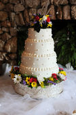 White Wedding Cake With Flowers — Stock Photo