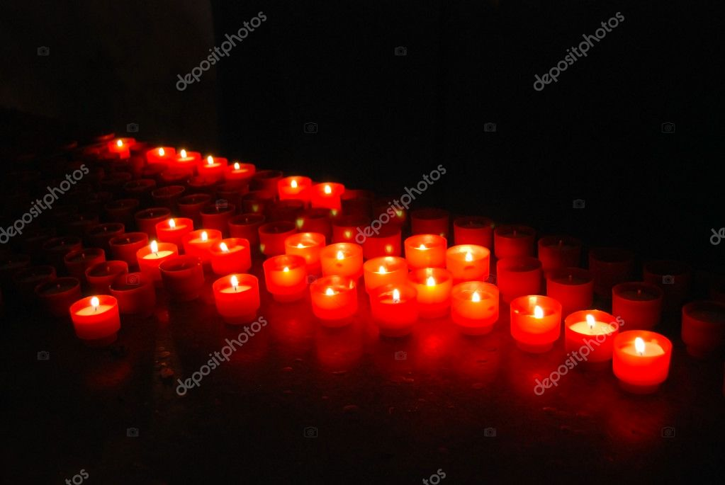 Candles in the italian church (close-up) — Lizenzfreies Foto #9939600