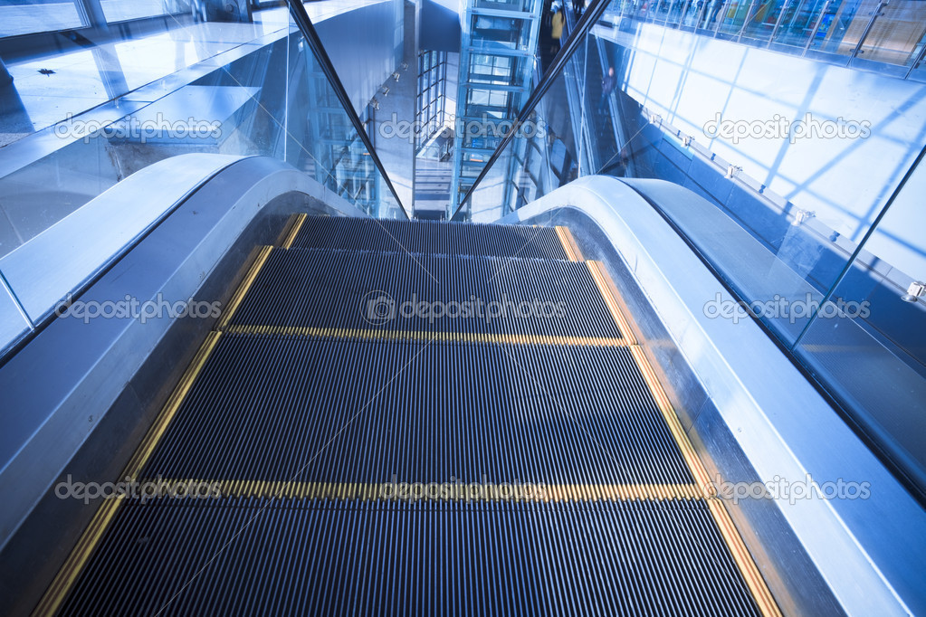 The escalator  of the subway station in shanghai china. — Stock Photo #9479974