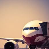 Airplane is waiting for departure in pudong airport shanghai china. — Stock Photo
