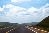 Luz solar acima da estrada. — Foto Stock