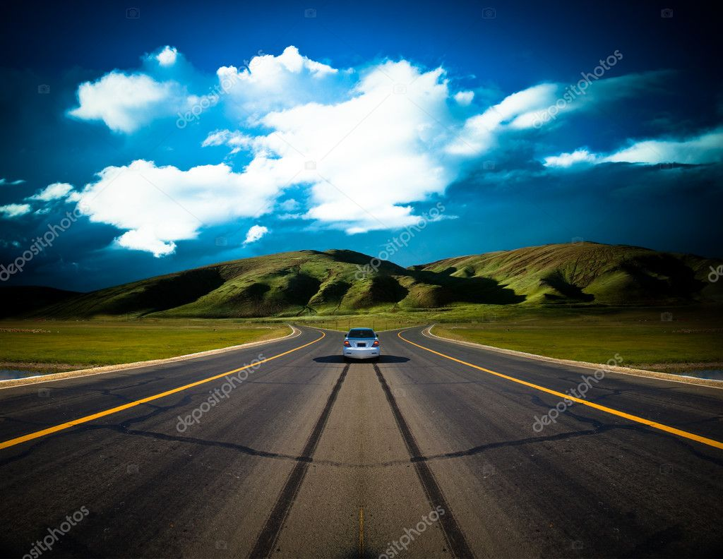 Road to the future with the mountain and blue sky background outdoor. — Stock Photo #9662345