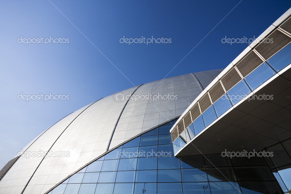 The modern building with the blue sky backgroun. — Stock Photo #9663615