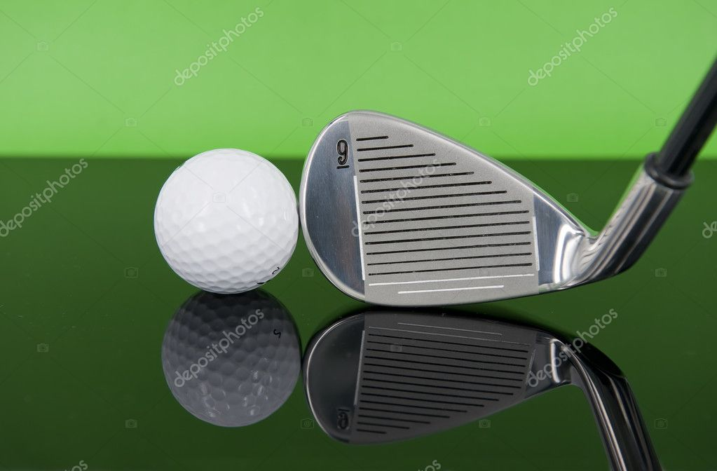 Metal golf driver — Stock Photo #7965564
