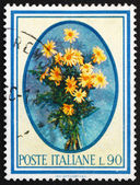 Postage stamp Italy 1966 Daisies, Bellis Perennis, Flowering Pla — Stock Photo