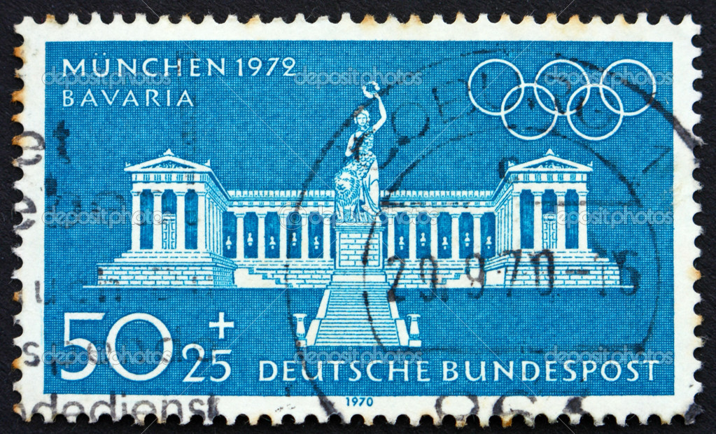 GERMANY - CIRCA 1972: a stamp printed in the Germany shows Bavaria Statue and Colonnade, Munich, circa 1972 — Stock Photo #10445728