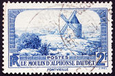 Briefmarke Frankreich 1936 Windmühle in Fontvielle, Alphonse Daud — Stockfoto