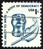 Postage stamp USA 1975 Inkwell and Quill — Stock Photo