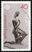 Postage stamp Germany 1974 Kneeling Woman, Sculpture by Lehmbruc — Stockfoto
