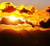 Montanhas na sunset — Foto Stock