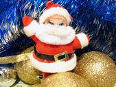 圣诞节与圣诞老人和金色灯泡组成 — 图库照片