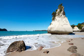 Klippe an der cathedral cove — Stockfoto