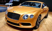 BENTLEY new continental GT v8 — Stock Photo