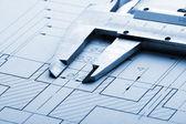 Pinza y dibujo de ingeniería — Foto de Stock